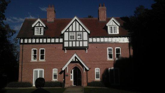 Dower House Hotel: Lodge