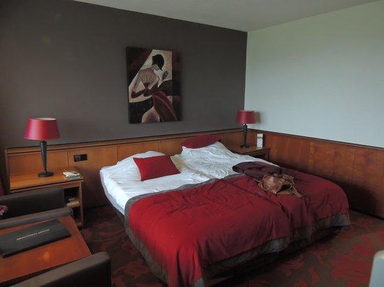 Van der Valk Hotel Volendam: Notre chambre à lit double.