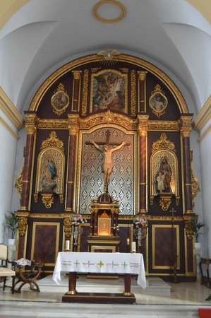 Church of San Antonio: altar mayor
