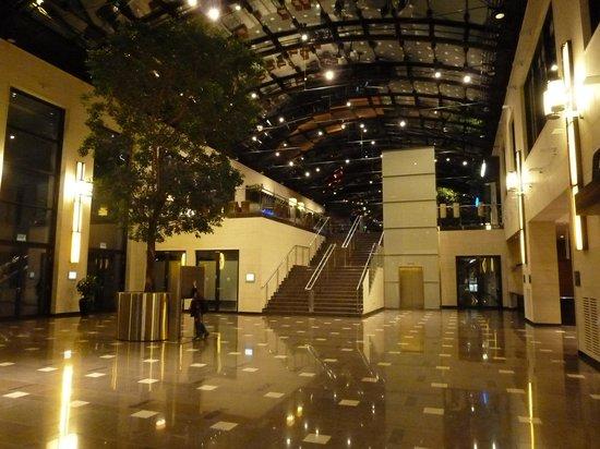 Maritim Hotel Duesseldorf: Hall
