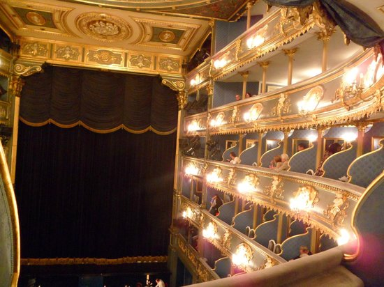 The Estates Theatre: Intérieur