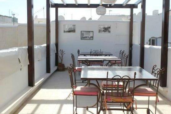 Riad El Maati : Outside dining area