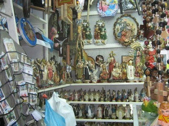 Central Market (Mercado Central): Jesus, Mary, and all the saints.