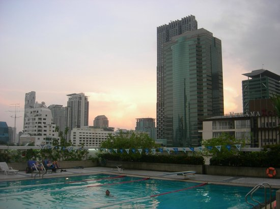 Trinity Silom Hotel : PISCINE