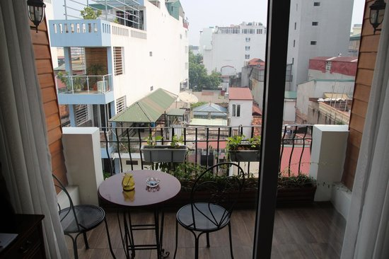 Hanoi Meracus Hotel 2: junior suite's balcony