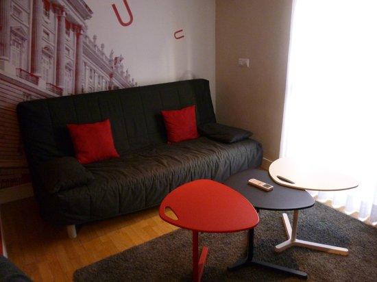 Metropol Rooms Apartamentos : soggiorno