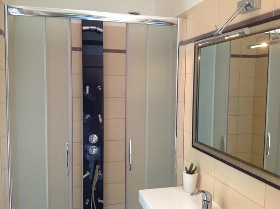 Aventino Guest House: BAGNO