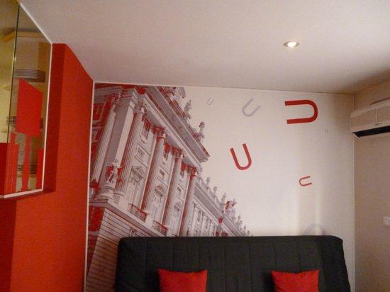 Metropol Rooms Apartamentos : decorazioni del soggiorno