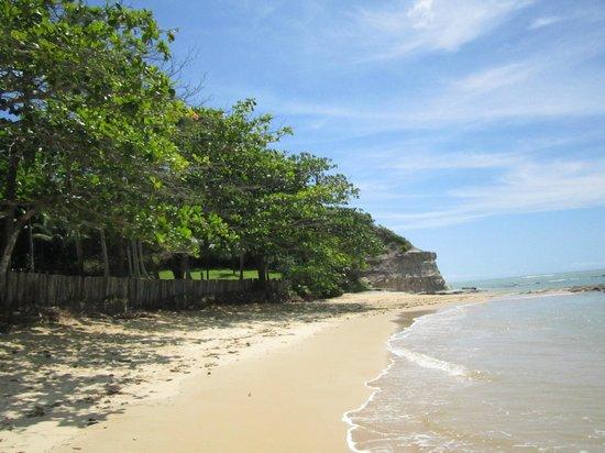 Praia do Espelho: água morna, sem ondas, areia fina