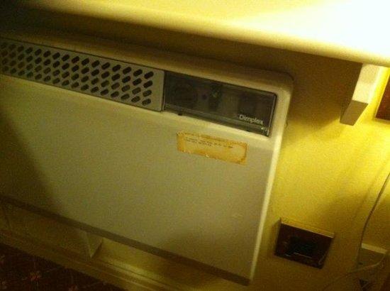 Macdonald Kilhey Court: Heating
