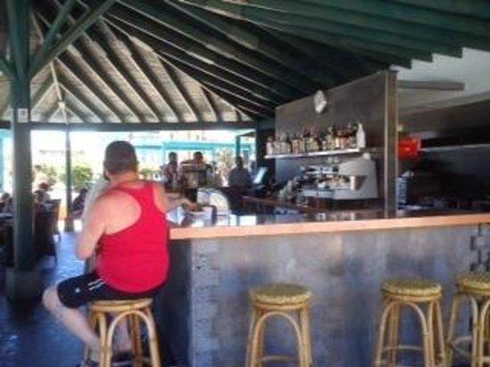 Barcelo Lanzarote Resort: bar piscina y scnack.