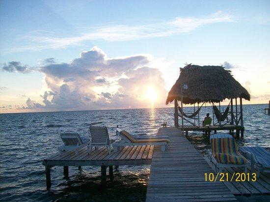 Barefoot Beach Belize : Still a beautiful place