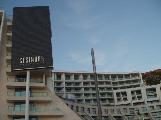 Sesimbra Hotel & Spa: Vista exterior do hotel