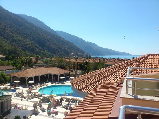Montebello Resort: view from room 1402