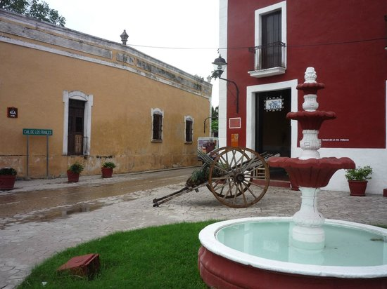 Hotel Tunich Beh: Calle 41-A view