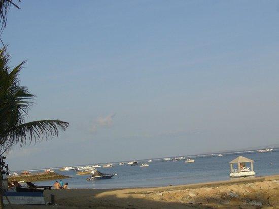 Prama Sanur Beach Bali: à côté de la plage de l'hôtel