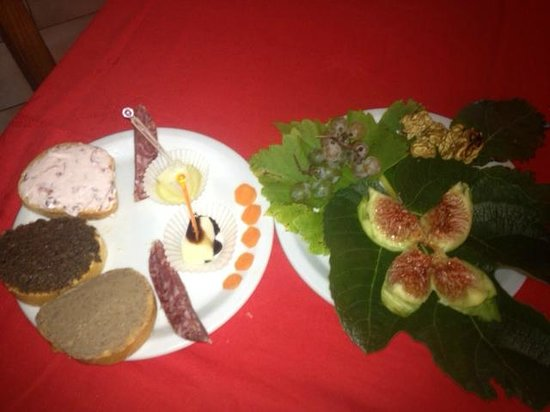 Agriturismo Ca' Solare: appetizers all from foods made at the farm