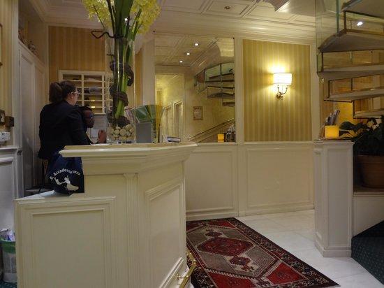 Daniel's Hotel: Lobby do Daniels