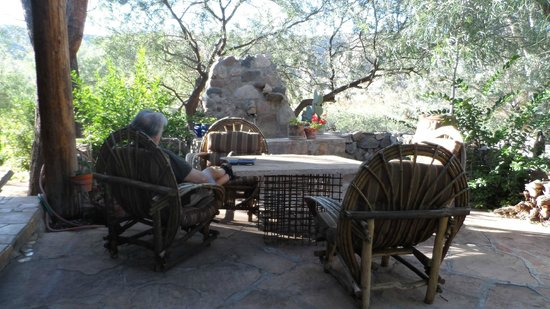 Aravaipa Farms Orchard and Inn: Patio