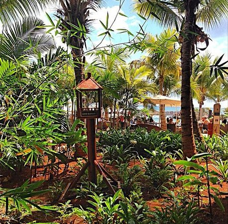 InterContinental Mauritius Resort Balaclava Fort: lovely green view while having breakfast