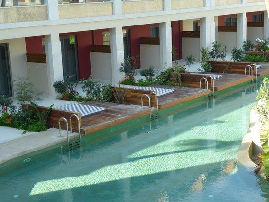 SENSIMAR KALLISTON Resort & Spa by ATLANTICA: view of swim up to rooms