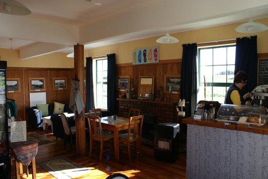 Stony River Hotel: The dining area