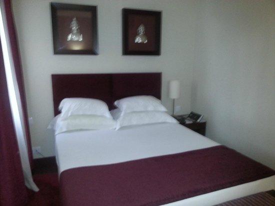 Vila Galé Cascais: Suite Bedroom