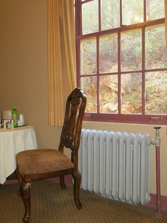 Jerome Grand Hotel: mountain view room