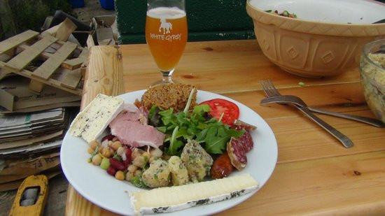 Brewery Hops of Ireland: Feast prepared for us at White Gypsy