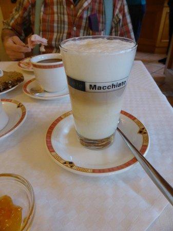 Fischerhaus: macchiato latté