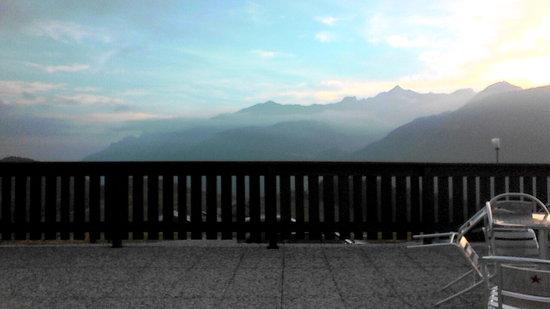 La Baitella Osteria Amalia: it's late September, so there dew in the evening, making the scenerie even more impressive
