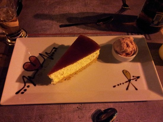 Dost Restaurant: yummy cheesecake and ice-cream