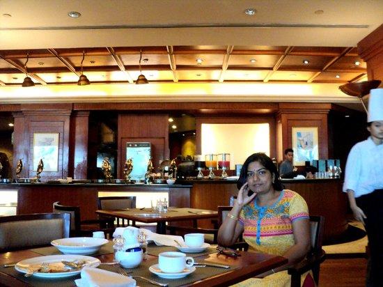 Aryaduta Jakarta: Dining Area