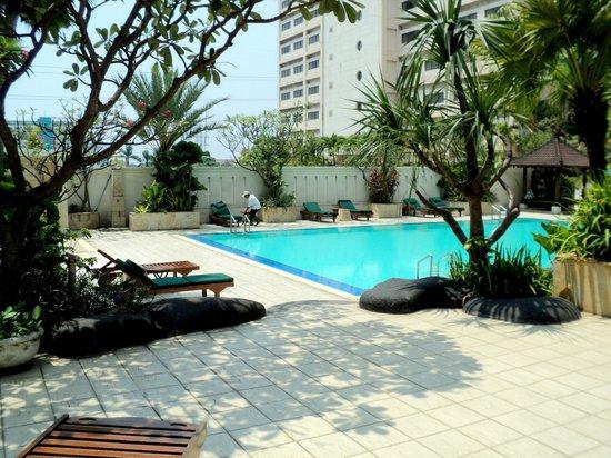 Aryaduta Jakarta: Swimming Pool