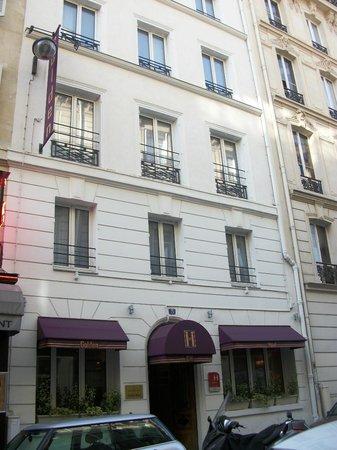 Golden Hotel Paris: The Golden Hotel