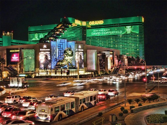 MGM Grand Hotel and Casino: Bright lights