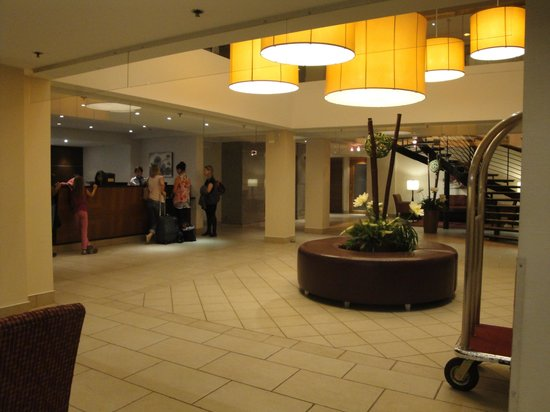 Best Western Plus Montreal Downtown-Hotel Europa: Le lobby