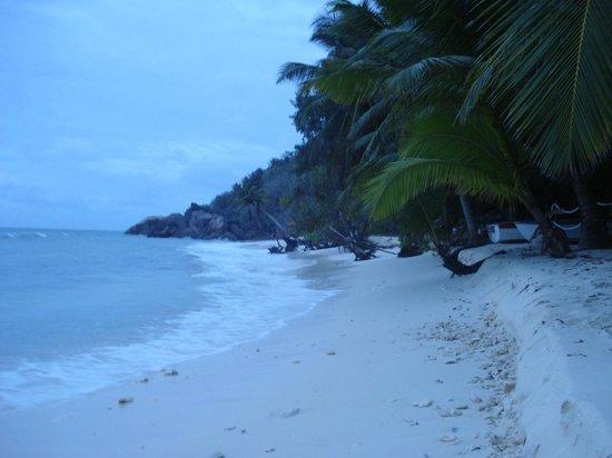 Anse-Kerlan Beach Chalets