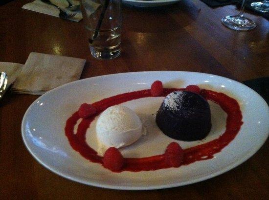 JOEY Eaton Centre: Chocolate Lava Cake was UNREAL