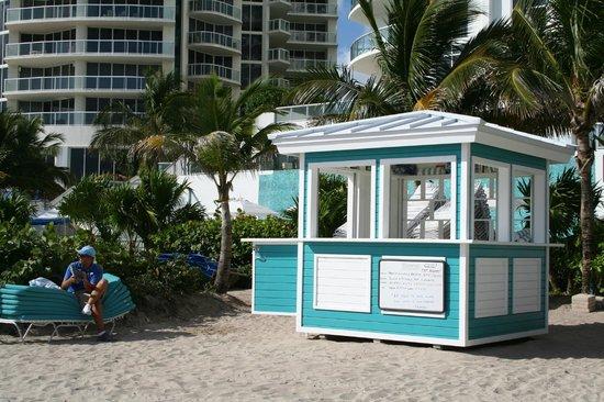 Marenas Beach Resort: GABBIOTTO DISPENSA ASCIUGAMANI