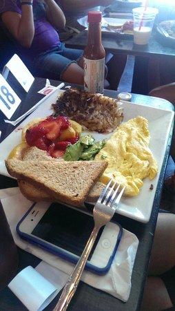 Photo of American Restaurant Crave Cafe at 14504 Ventura Blvd, Sherman Oaks, CA 91403, United States