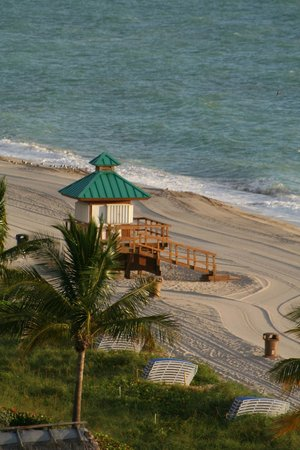 Marenas Beach Resort: SPIAGGIA DAL 9 PIANO