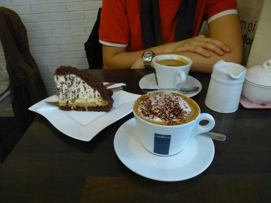 Cafe La Coco: Coffee and Cake