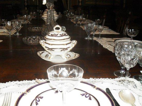 Palazzo Parisio & Gardens: Antica Sala da pranzo  di Palazzo Parisio