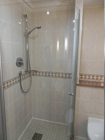 The Oxford Belfry: large shower