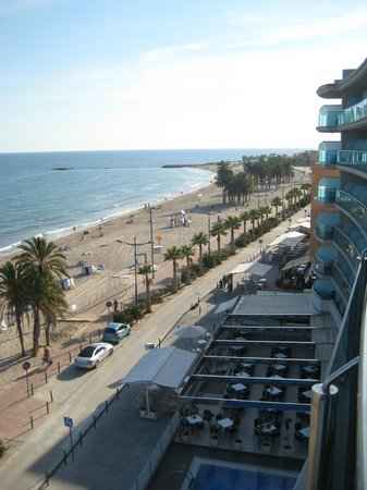 Allon Mediterrania Hotel: View from our balcony in 5th floor