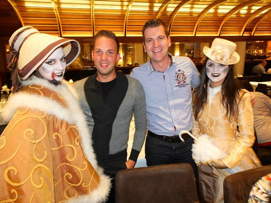 Captain's Finest : Meine 2 Freunde mit den Halloween-Mädels (mit Einverständnis)