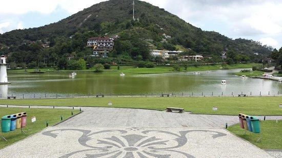 Quitandinha Palace Congress and Convention Center: Lago