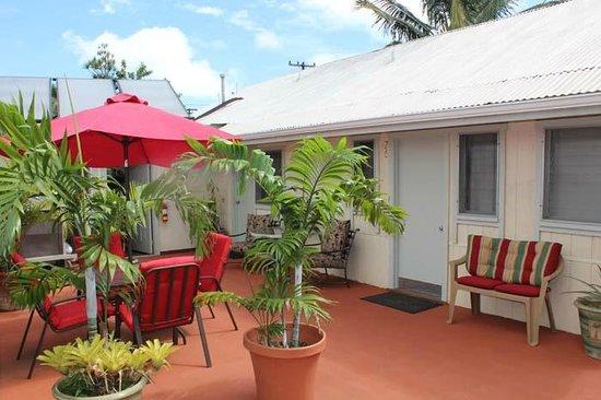 Kauai Palms Hotel: Patio/Sitting Area