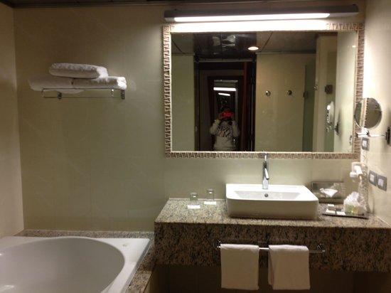 Bathroom With Jacuzzi Bath Shower Toilet Sink Hair Dryer Fresh